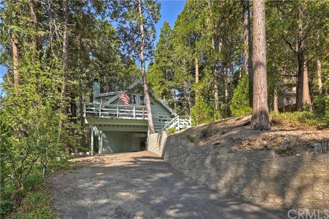 400 Terrace, Lake Arrowhead, CA 92352 (#EV21162414) :: SD Luxe Group