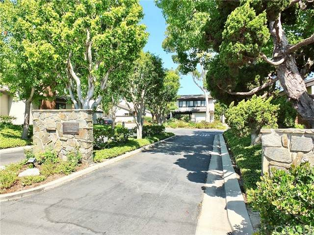 275 Old Ranch Road #16, Seal Beach, CA 90740 (#PW21162809) :: Compass