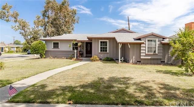 1033 W 18th Street, Santa Ana, CA 92706 (#LG21162880) :: Compass