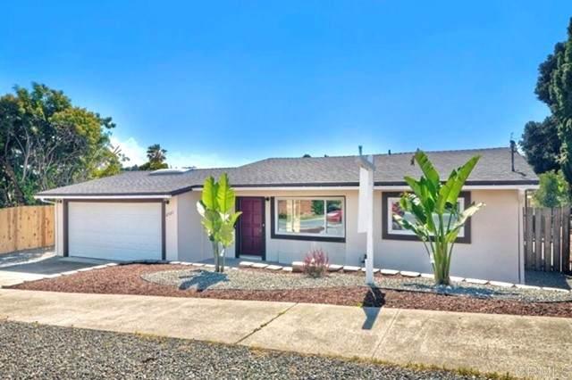 2731 Lancelot Drive, Oceanside, CA 92054 (#NDP2108664) :: Compass