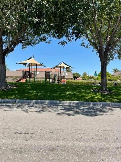 10288 Circulo De Juarez, Fountain Valley, CA 92708 (#PW21163189) :: Windermere Homes & Estates
