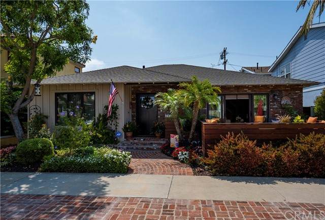 276 Ravenna Drive, Long Beach, CA 90803 (#PW21154598) :: SunLux Real Estate