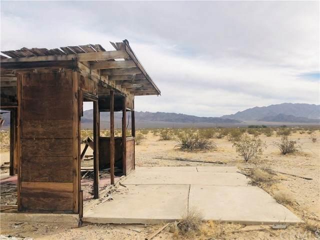 0 Near Henry, 29 Palms, CA 92277 (#JT21163308) :: SunLux Real Estate