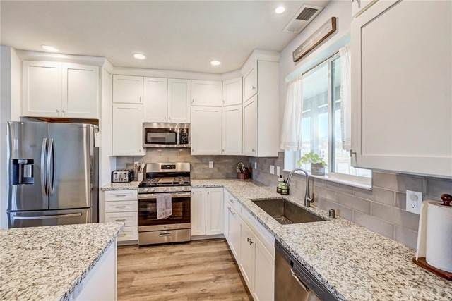 8112 Carlee Court, Los Molinos, CA 96055 (#SN21164394) :: SD Luxe Group