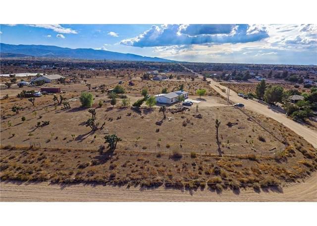 6875 Smoke Tree Road, Phelan, CA 92371 (#EV21163712) :: The Legacy Real Estate Team