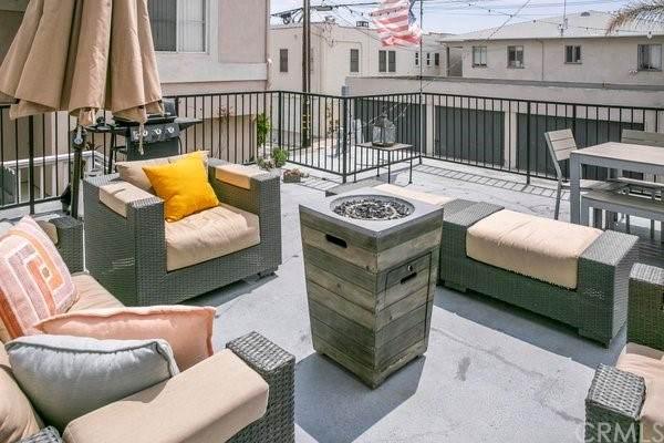 1538 Loma Dr, Hermosa Beach, CA 90254 (#CV21166494) :: Solis Team Real Estate