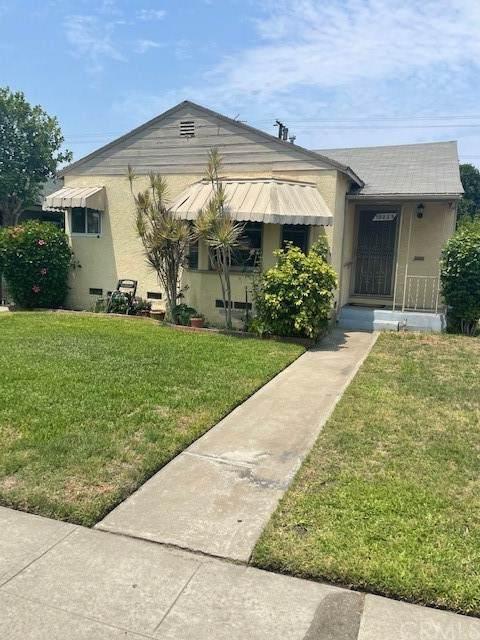 10229 Virginia Avenue, South Gate, CA 90280 (#DW21164914) :: Dannecker & Associates
