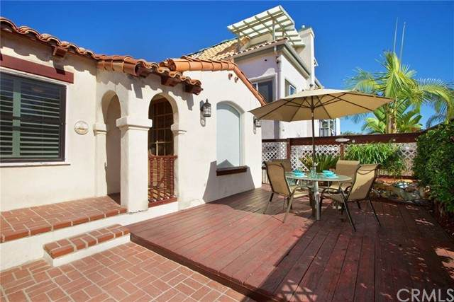 726 Jersey Court, San Diego, CA 92109 (#FR21166804) :: SD Luxe Group