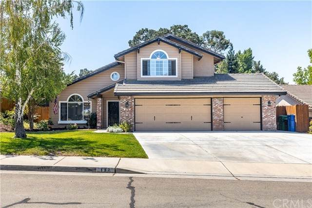 172 Edgewater Lane, Paso Robles, CA 93446 (#NS21166956) :: Compass