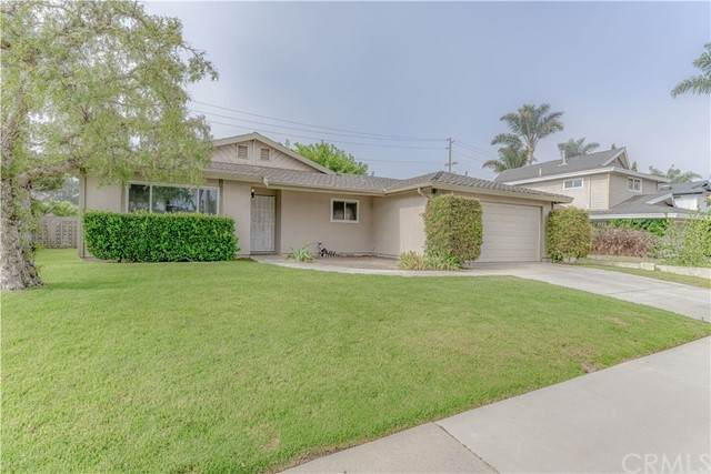 9172 Aloha Drive, Huntington Beach, CA 92646 (#OC21166910) :: Wannebo Real Estate Group