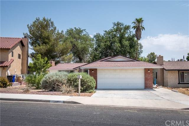 13887 Deauville Drive, Victorville, CA 92395 (#CV21167962) :: The Legacy Real Estate Team