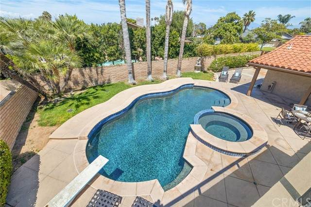 1800 Jamaica Road, Costa Mesa, CA 92626 (#PW21168057) :: Carrie Filla & Associates