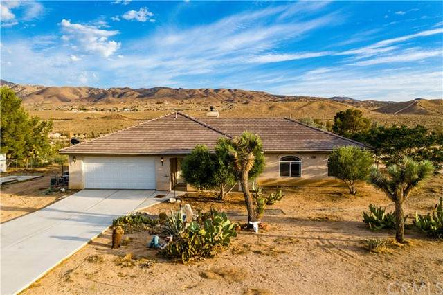 26015 Del Sol Road, Apple Valley, CA 92308 (#CV21157068) :: Solis Team Real Estate