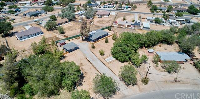 17690 Pine Street, Hesperia, CA 92345 (#IV21108369) :: Solis Team Real Estate