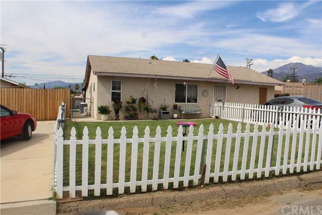 34956 Avenue C, Yucaipa, CA 92399 (#EV21167915) :: Solis Team Real Estate