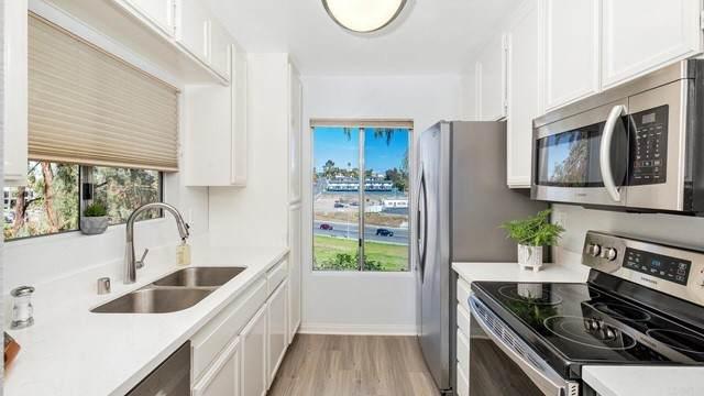 225 Diamond Way #111, Vista, CA 92083 (#NDP2109114) :: Solis Team Real Estate