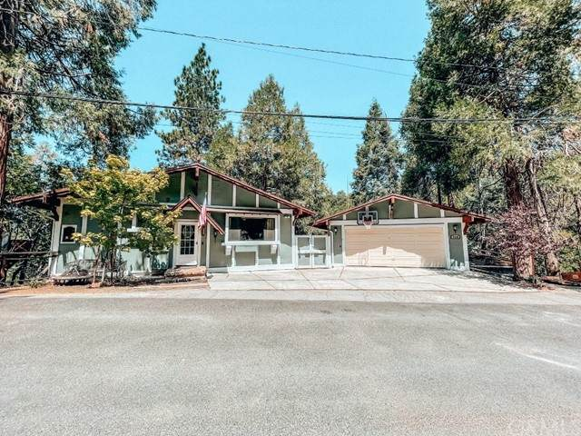 948 Arbula Drive, Crestline, CA 92325 (#EV21182206) :: Solis Team Real Estate
