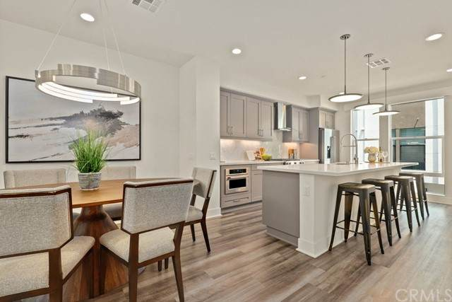1685 Topanga, Costa Mesa, CA 92627 (#OC21181599) :: Carrie Filla & Associates