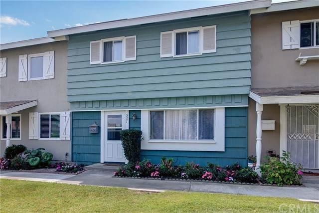 9551 Kensington Drive, Huntington Beach, CA 92646 (#OC21181184) :: Solis Team Real Estate