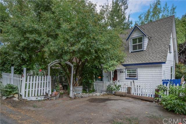 882 Arrowhead Villa Road, Lake Arrowhead, CA 92352 (#EV21184524) :: Carrie Filla & Associates