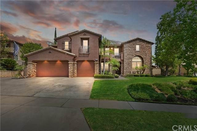 1555 Beacon Ridge Way, Corona, CA 92883 (#IG21184883) :: Wannebo Real Estate Group