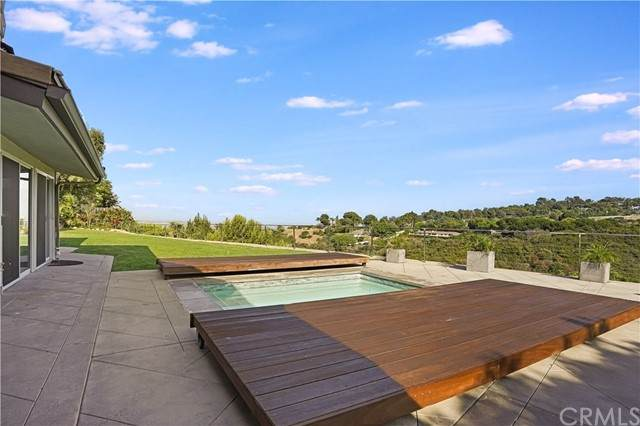 27240 Sunnyridge Road, Palos Verdes Peninsula, CA 90274 (#PV21152811) :: Solis Team Real Estate