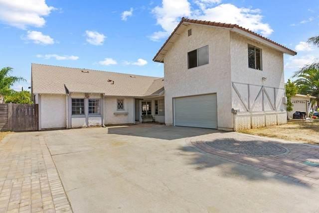 2111 Wilson Place, Escondido, CA 92027 (#NDP2109894) :: Solis Team Real Estate