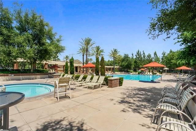 15723 Parkhouse Drive #44, Fontana, CA 92336 (#CV21188172) :: Rubino Real Estate