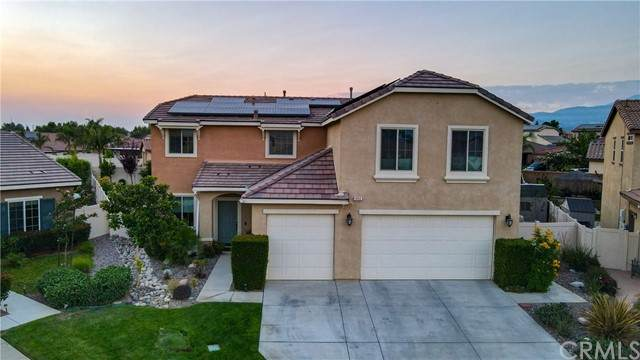 1454 Veronica Court, Beaumont, CA 92223 (#PS21170918) :: Wannebo Real Estate Group