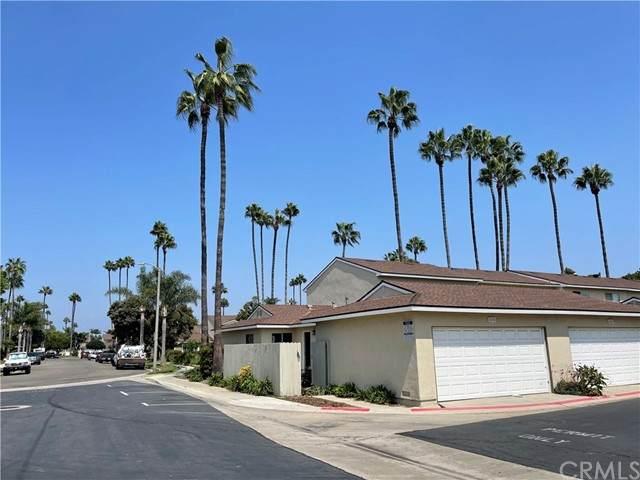 8195 Foxhall Drive - Photo 1