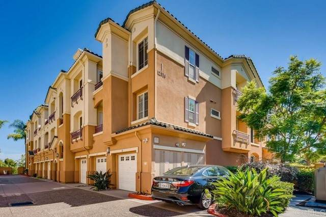 12376 Carmel Country Rd J107, San Diego, CA 92130 (#NDP2110109) :: The Stein Group
