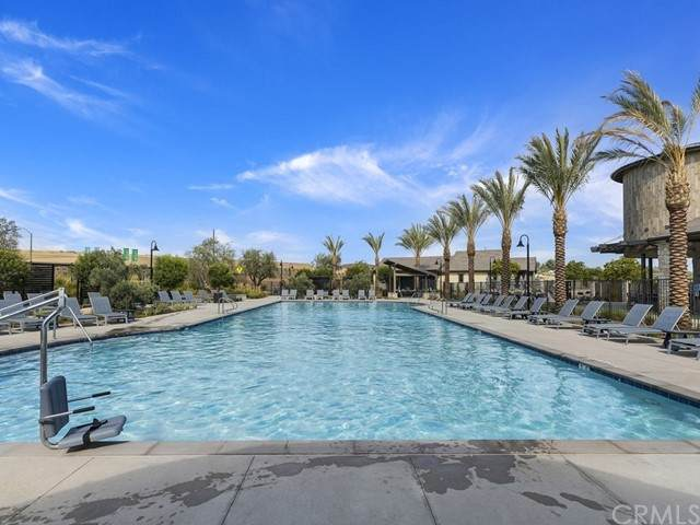 32331 Hillstone Street, Temecula, CA 92591 (#SW21194251) :: Wannebo Real Estate Group