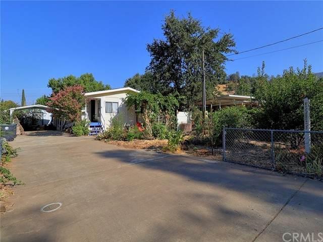 2823 Lakeview Drive - Photo 1