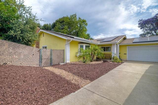 1542 Boyle Avenue, Escondido, CA 92027 (#NDP2110451) :: Solis Team Real Estate