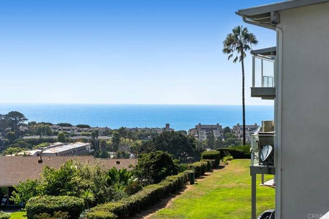 640 W Solana Circle #11, Solana Beach, CA 92075 (#NDP2110568) :: The Marelly Group | Sentry Residential