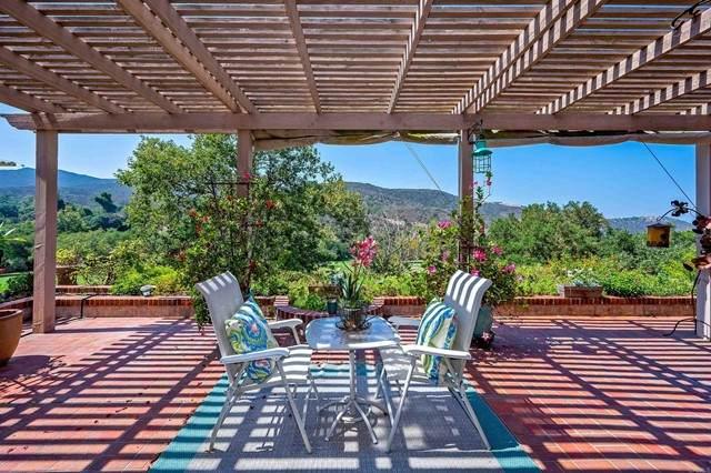 29122 Laurel Valley Drive, Vista, CA 92084 (#NDP2110588) :: Solis Team Real Estate