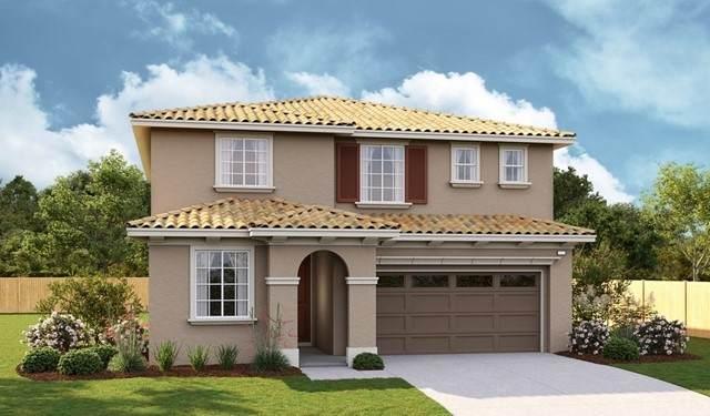 13351 Eastview Lane, Victorville, CA 92392 (#EV21203163) :: Windermere Homes & Estates