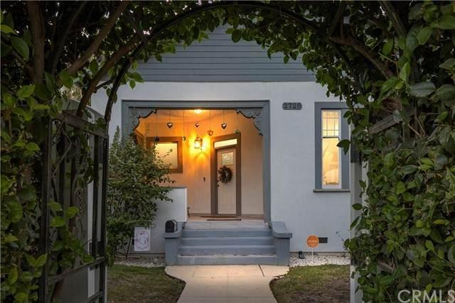 2728 19th Street, Bakersfield, CA 93301 (#NS21203196) :: Solis Team Real Estate