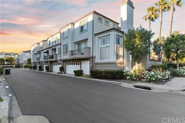 19457 Surf Drive, Huntington Beach, CA 92648 (#OC21201742) :: Yarbrough Group