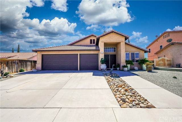 12541 Lucero, Victorville, CA 92392 (#MB21203879) :: The Stein Group