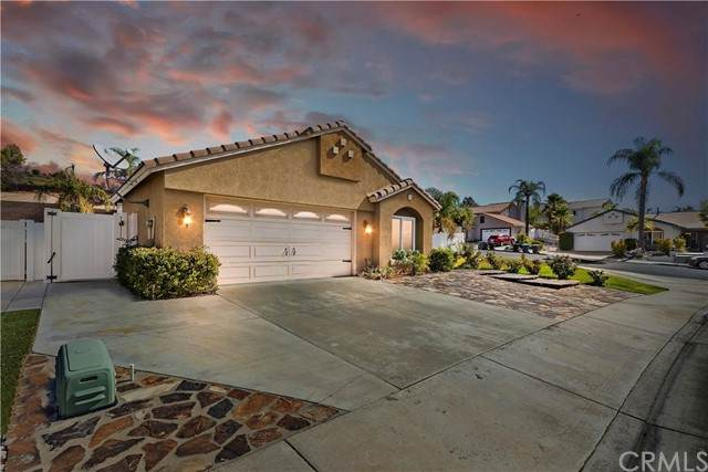 31682 Willow View Place, Lake Elsinore, CA 92532 (#IG21203410) :: SunLux Real Estate