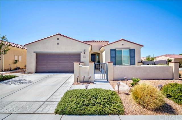 19004 Raven Street, Apple Valley, CA 92308 (#PW21196422) :: SunLux Real Estate