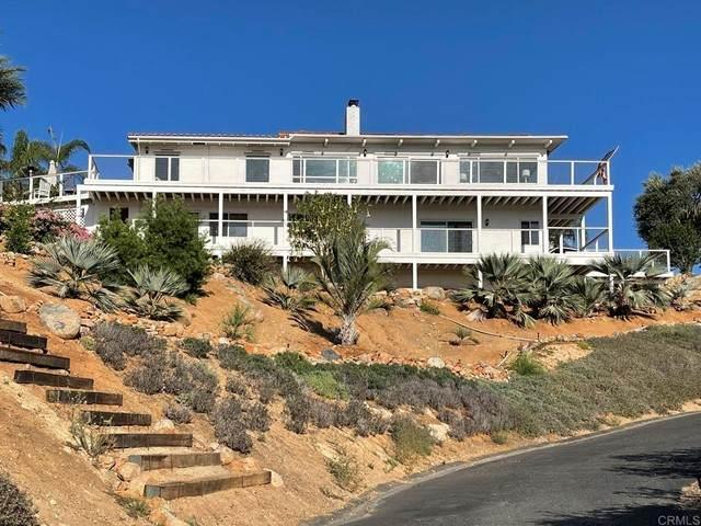 3642 Camino De Las Lomas, Vista, CA 92084 (#NDP2110759) :: SunLux Real Estate
