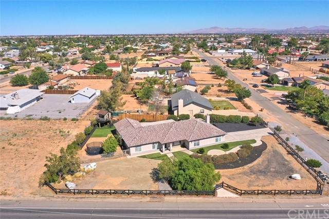 7518 San Bruno Avenue, Hesperia, CA 92345 (#CV21205264) :: Solis Team Real Estate