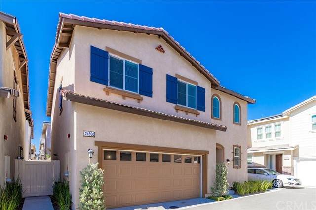 24300 White Willow Avenue, Murrieta, CA 92562 (#IG21205197) :: Windermere Homes & Estates