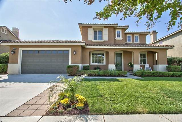 29889 Twin Lakes Road, Menifee, CA 92585 (#SW21205830) :: Wannebo Real Estate Group