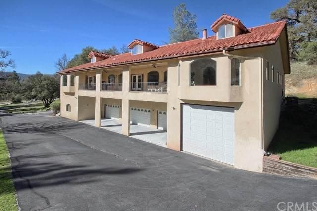 40215 Big Oak Flat Road, Oakhurst, CA 93644 (#FR21206048) :: Windermere Homes & Estates