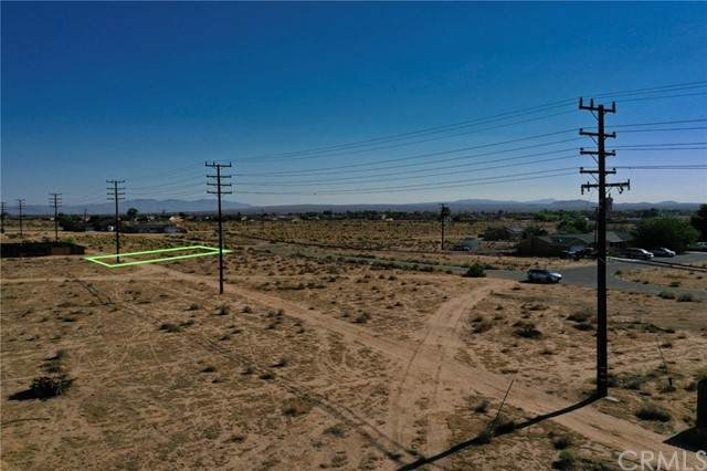 21305005 90th Street, California City, CA 93505 (#WS21205247) :: Wannebo Real Estate Group