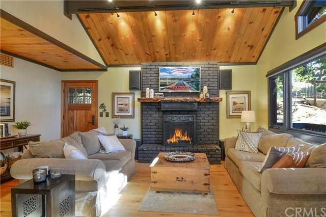 27457 Pinewood Drive, Lake Arrowhead, CA 92352 (#EV21206532) :: COMPASS
