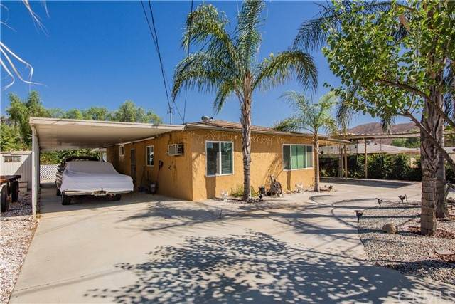 25906 Homeland Avenue, Homeland, CA 92548 (#SW21207286) :: Wannebo Real Estate Group